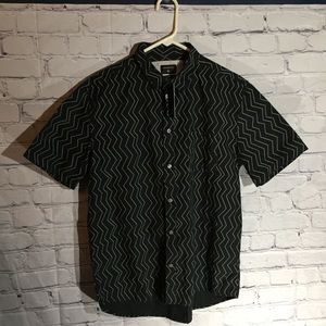 Quicksilver zigzag button down shirt. NWT Sz M